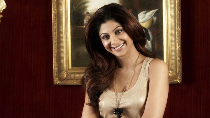 Shilpa Shetty Smiling Pose in Cream Top